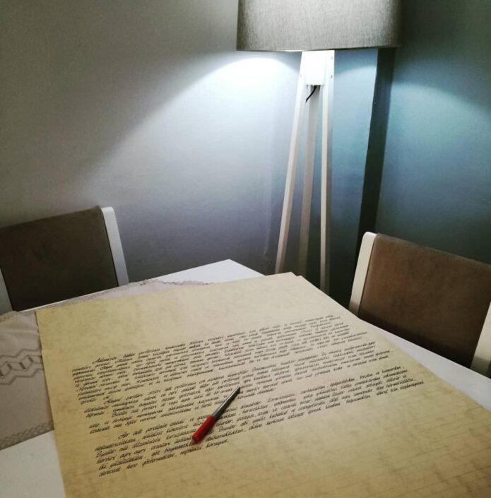 fon kağıt yazıları, el yazısı fon kağıtları, güzel yazı fon kağıtları, kaligrafi yazılı kağıtlar